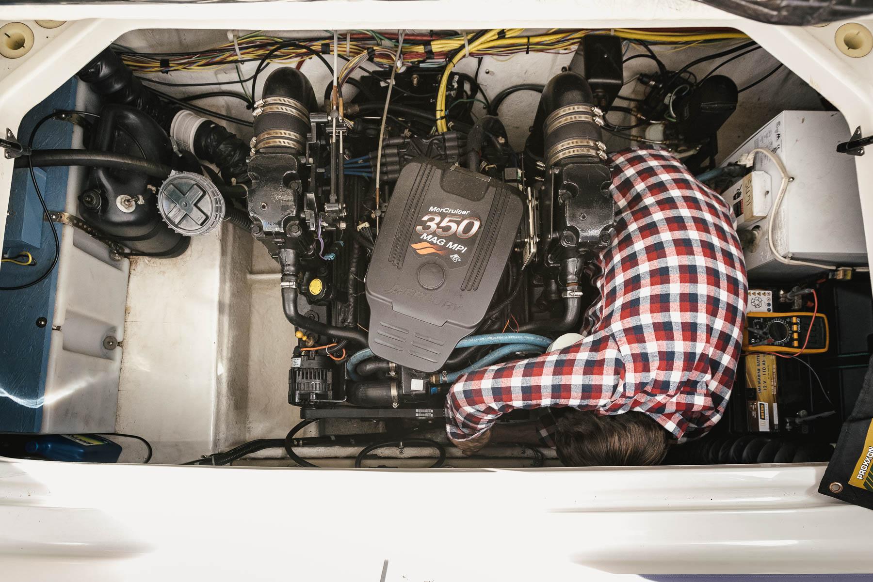 Motorwartung-Batterietausch-Bayliner-285-Norman-Bootsbau-Potsdam
